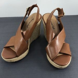 American Eagle Wedged Sandals Brown Cream 7 1/2